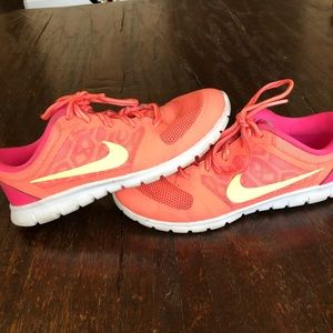 Nike running shoe  size girls 3